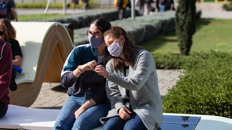Okosbútorokat nyertek el magyar iskolák kép