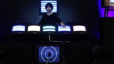 Ez a zenekar leselejtezett elektronikai eszközökből csinál hangszereket kép