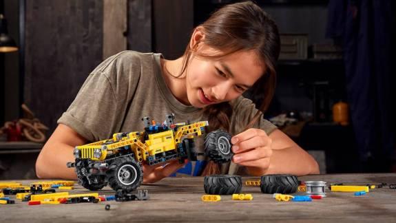 Történelmet ír a LEGO Jeep Wrangler kép
