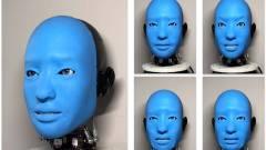 A robot pedig visszamosolyog kép