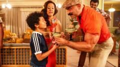Dwayne Johnson bemutatta a fiatalkoráról szóló sorozat első trailerét kép