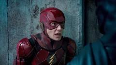 Végre láthatjuk egy részét a mozis Flash új jelmezének kép