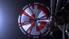 Kiderült, milyen titkos üzenet került a Perseverance marsjáró ejtőernyőjére kép
