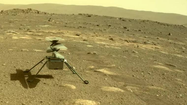 Már a Mars felszínén pózol a NASA helikoptere, az Ingenuity kép