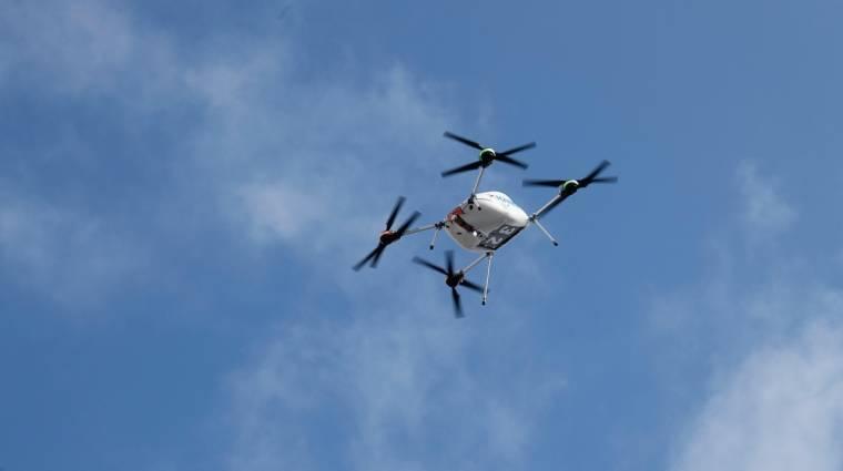 Írországban már drón is házhoz szállítja az új Samsungokat kép