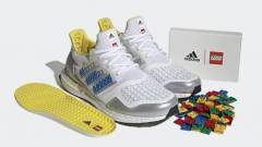 Játékos cipő született az Adidas és a LEGO házasságából kép