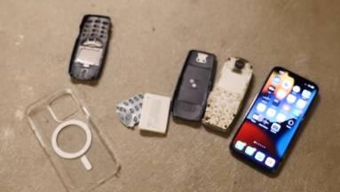 Egy törésteszt szerint strapabíróbb az iPhone 13 Pro, mint a Nokia 3310 kép