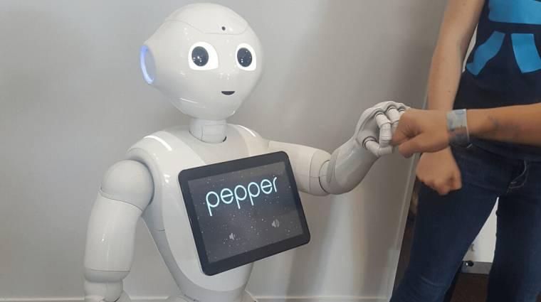 Magában beszél és hangosan gondolkodik egy új olasz fejlesztésű robot kép