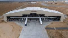 Így szállt fel a világ legnagyobb repülőgépe kép