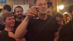 Tesla témájú sörrel készülnek Elon Muskék kép