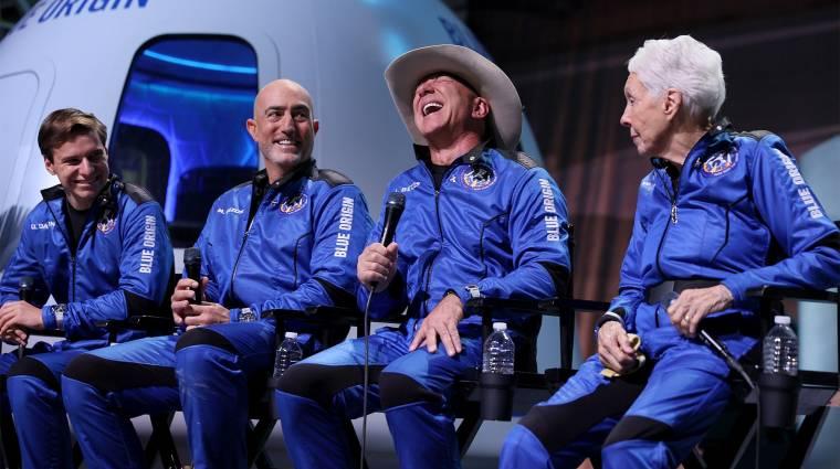 Meglepő vallomást tett Jeff Bezosnak a tini, aki szintén a Blue Origin gépével utazott a világűr peremére kép