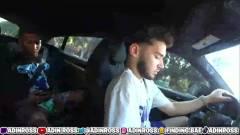 Vezetés közben mobilozott a streamer, a Twitch tiltással jutalmazta a mutatványt kép