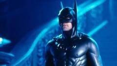 Ne várjuk, hogy George Clooney Batmanje felbukkanjon a The Flash-filmben kép