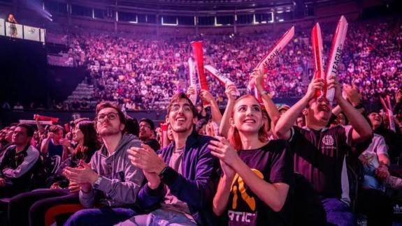 Dokumentumfilmszerű vígjátékot készítenek League of Legends játékosokról kép