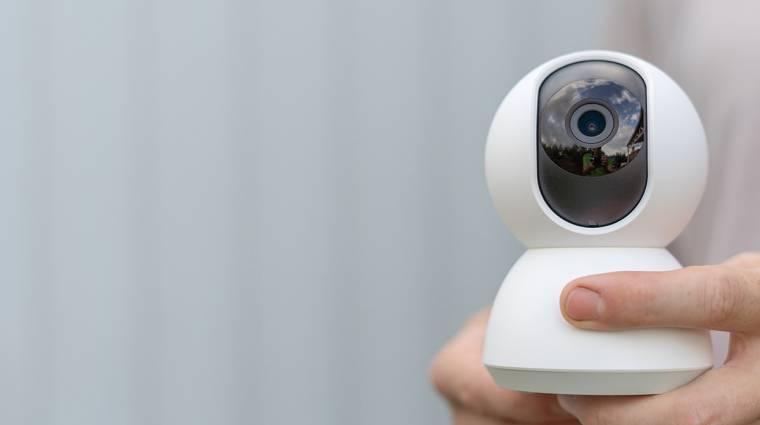 Akár a te webkamerádat is feltörhetik egy biztonsági rés miatt, így előzheted meg kép