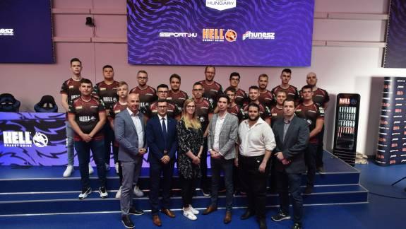 Bemutatkozott a magyar e-sport válogatott kép
