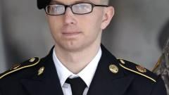 Manning harmincöt évet kapott kép