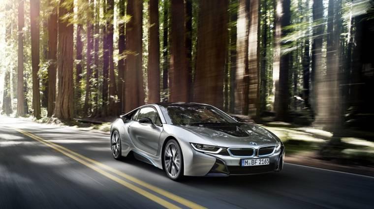Bemutatták a BMW i8 szériaváltozatát kép