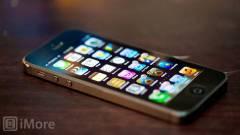 99 dollárért söprik ki az iPhone 5-öt kép