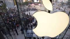 Már sorban állnak az Apple boltok előtt kép