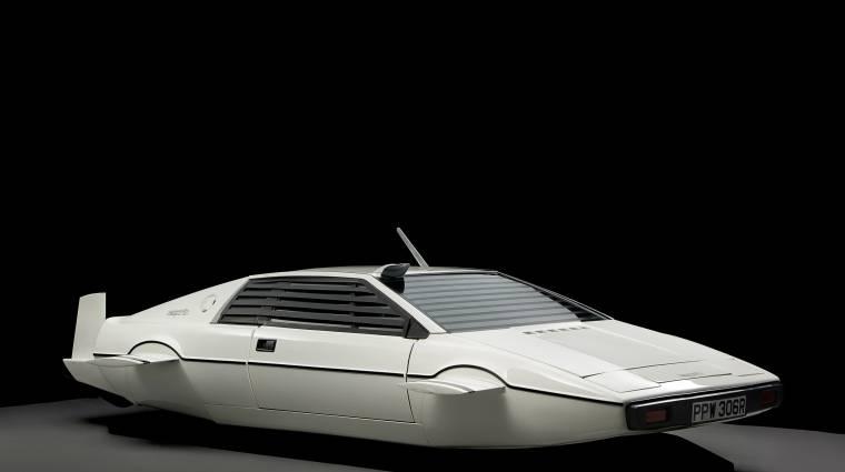 Elon Muské a legendás Bond-féle tengeralattjáró autó kép