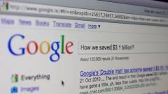 Júliusban jön a Google-adó kép