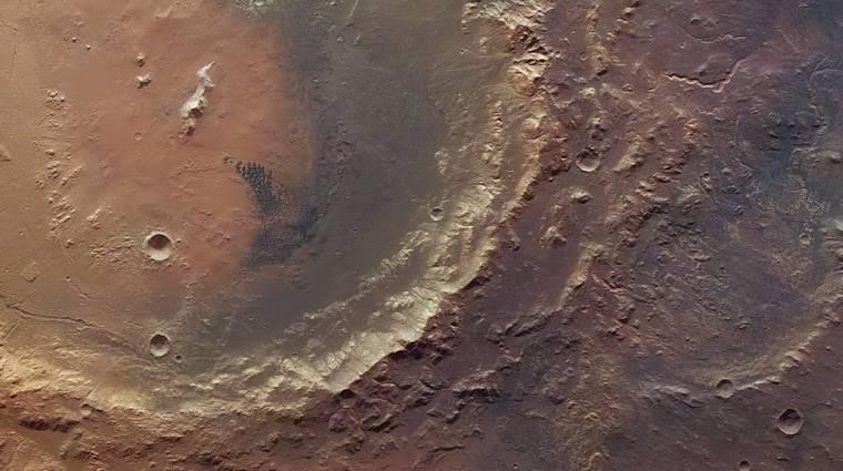 Élőlények nyüzsöghettek a marsi tóban kép