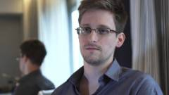 Snowden: kémkedni sajnos kell kép