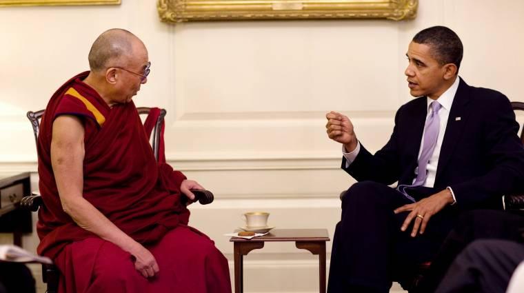 Már a Dalai láma is instagramozik kép