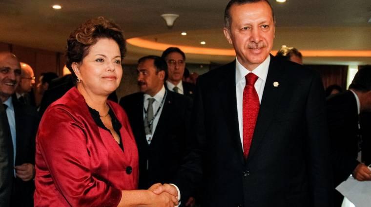 Erdogan betiltatná a Facebookot és Youtube-ot kép