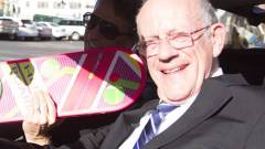 Lloyd beismerte: átverés volt a légdeszkás videó kép