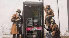 Banksy gúnyt űz a brit hírszerzésből kép