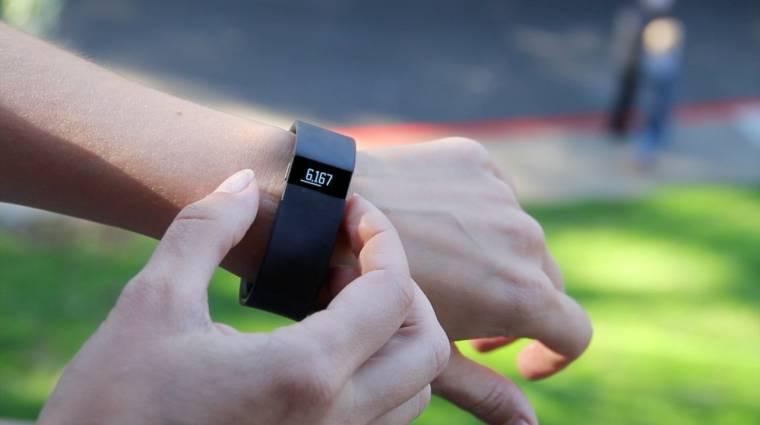 Jól fogynak a Fitbit fitneszes karkötői kép