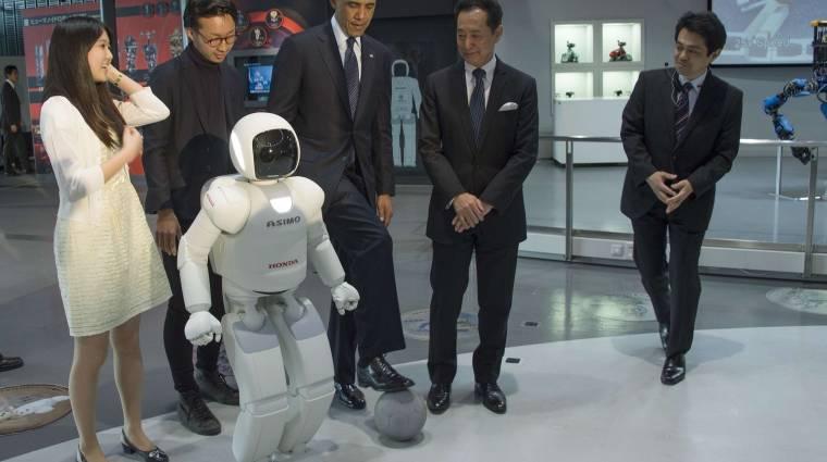 Japán robottal focizott az amerikai elnök kép