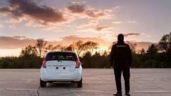 Öntisztító autót mutatott be a Nissan kép