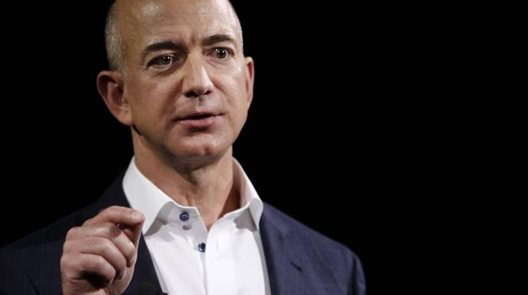 Az Amazon levédette a fehér háttér előtt fotózást kép