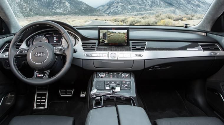 CarPlay lesz az új Audikban kép