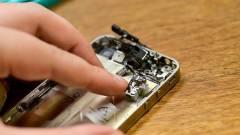 Robotok szerelik össze az iPhone 6-ot kép