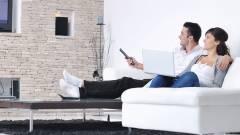 A magyarok többsége még mindig a tévét bámulja kép
