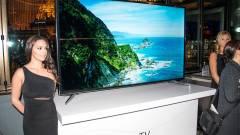 Hajlítható tévével támad a Samsung kép