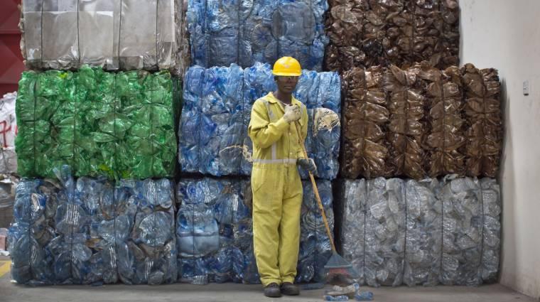 Spenótszárból és rizshéjból készülhet a jövő műanyaga kép