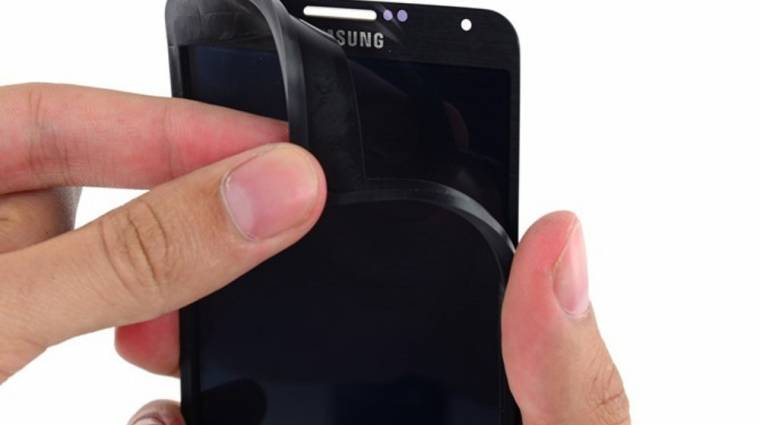 Az Oculus Rift kijelzője egy Galaxy Note 3-ból van kép
