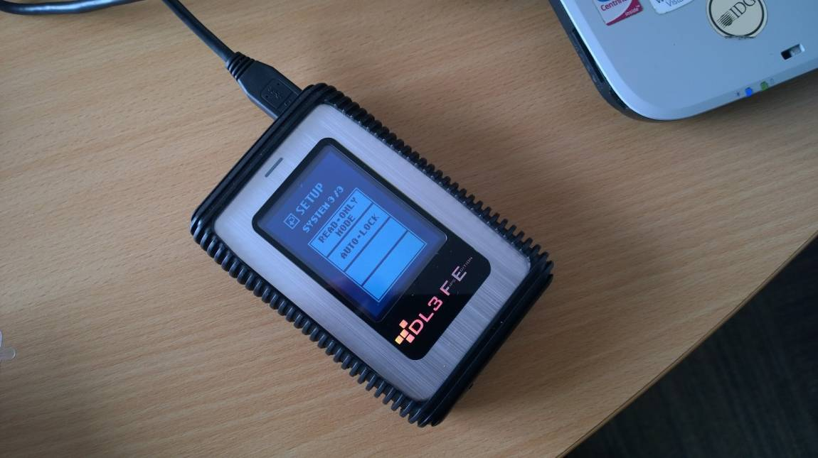 DataLocker DL3 (FIPS Edition) - Páncélterem a zsebben kép