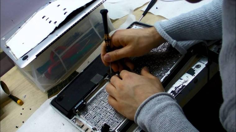 Megmentettük a leöntött notebookot kép
