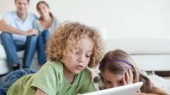 Így adj táblagépet a gyereked kezébe kép