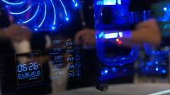 Computex - Üveg PC és steam controller kép