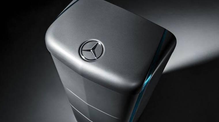 Akksival tör be otthonunkba a Mercedes-Benz kép