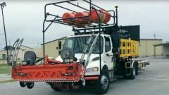 Sofőr nélküli teherautók építenek utat Floridában kép