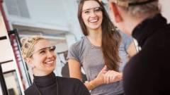 Új eszközökön dolgozik a Google Glass-csapat kép