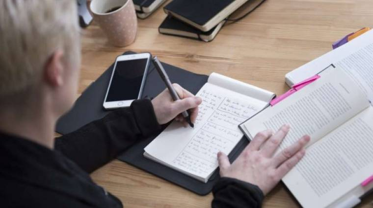 Írj papírra, és megjelenik egy táblagépen kép